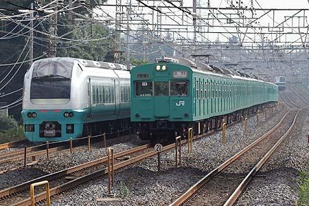 http://hitachino-railway.world.coocan.jp/jreast/jreast2003/ec103/ec103-01.jpg